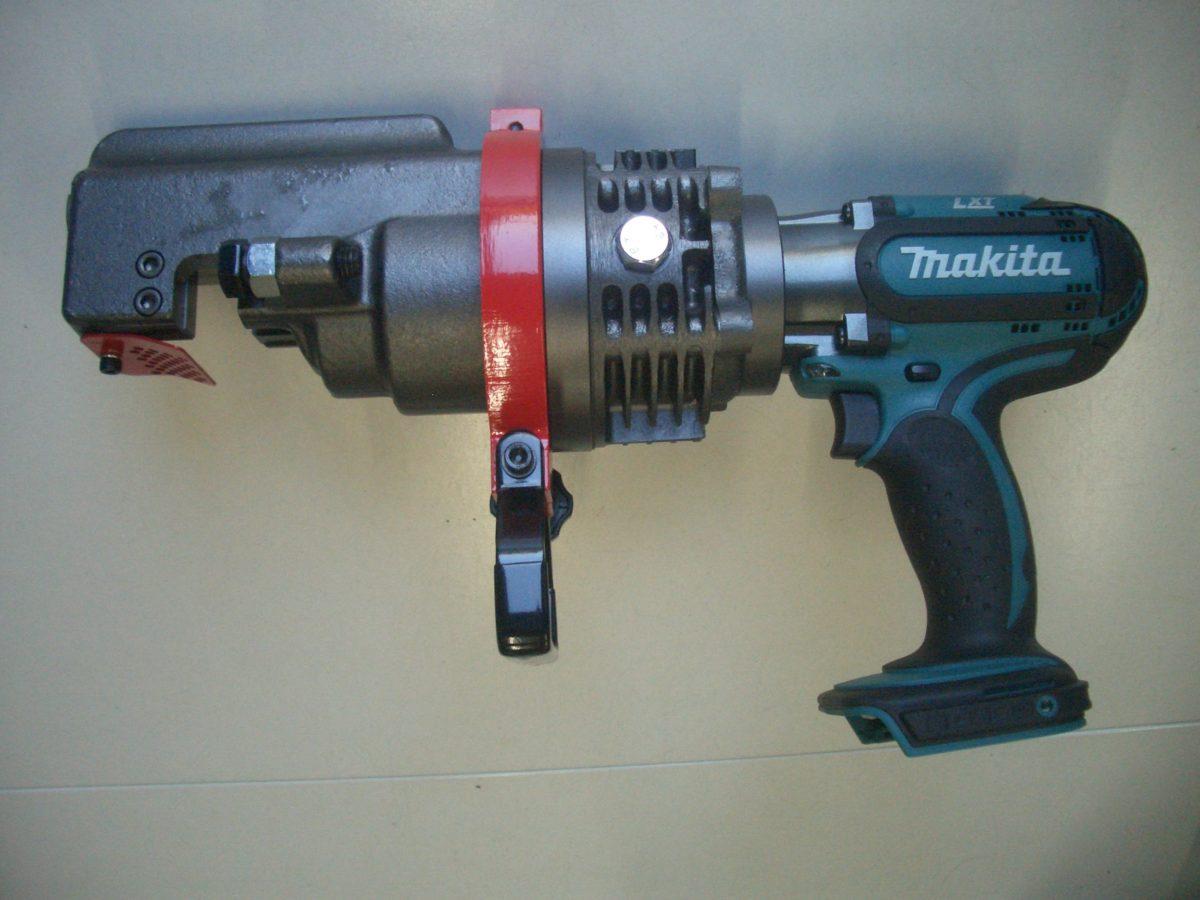 マキタ 18V充電式 鉄筋カッタ